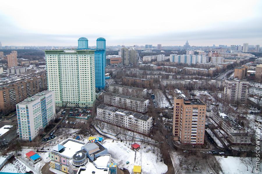 А вот и район пятиэтажек на севере Щукина в районе ул.Авиационная. .