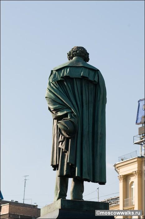 Описание памятника пушкина в москве гранитные памятники в москве норильске