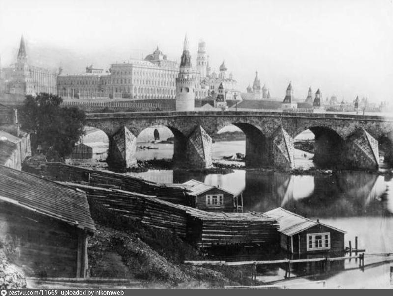Старый большой каменный мост