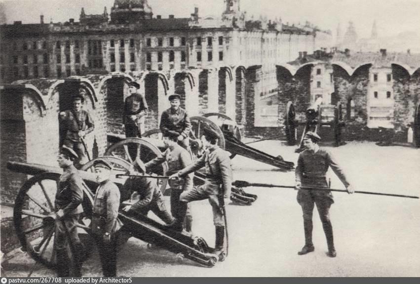 267708 Латышские стрелки на стрельнице.